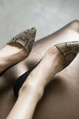 Sexy stilleto snake pattern office and casual shoes pointed toe